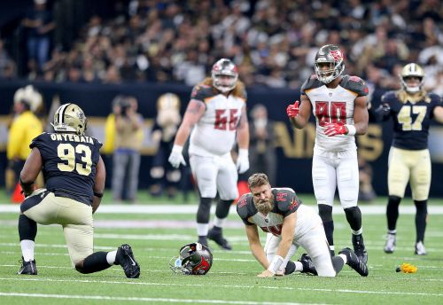 Saints' David Onyemata receives hefty fine for two roughing the passer fouls