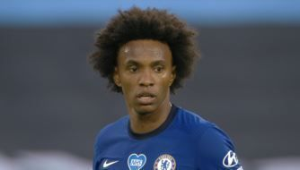 Willian's penalty breaks the deadlock