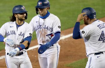 Blue Jays blast six home runs in 12-4 drubbing of Rays