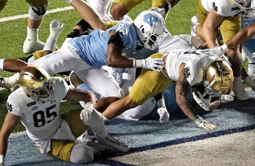 Notre Dame outlasts North Carolina to stay undefeated