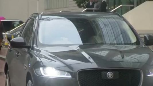 Mourinho leaves his Manchester hotel