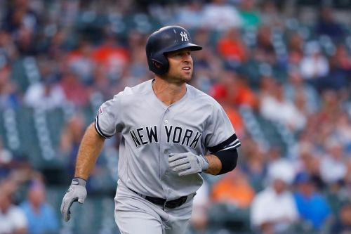 Yanks exercise Britton option, decline Gardner and Happ