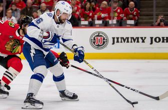 Lightning take down Blackhawks 6-3, set NHL record with 33 shots on goal in one period