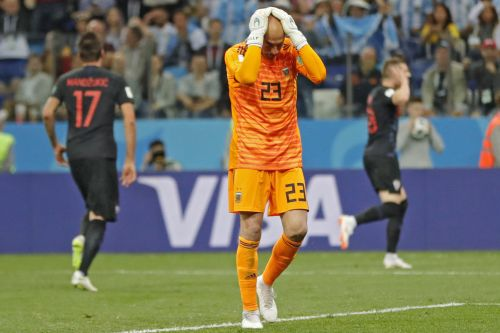 Argentina goalie humiliates himself in World Cup disaster