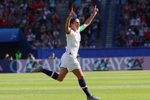 Watch: Carli Lloyd scores twice in 3-0 U.S. World Cup win over Chile
