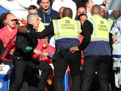 Chelsea coach Ianni charged by FA over Mourinho touchline bust-up