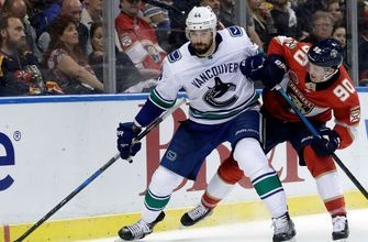 Panthers struggling to hold leads, edged by Canucks 3-2