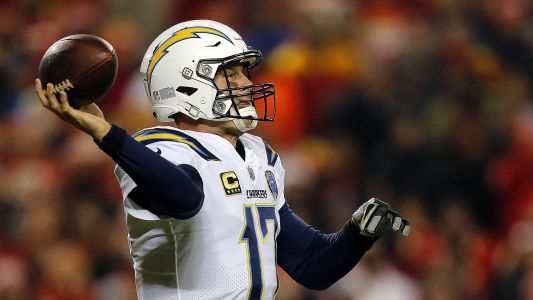 WATCH: Chargers top Chiefs on dramatic 2-point conversion in final seconds