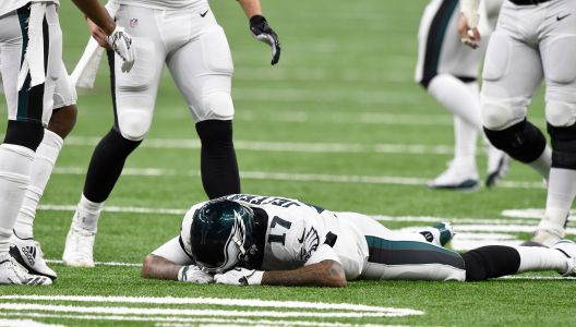 Eagles' Alshon Jeffery after pass went through hands: 'It's on me. I let all my teammates down'