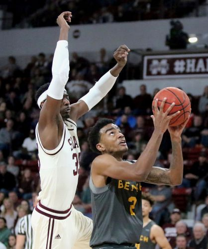Weatherspoon leads No. 17 Mississippi St over LBSU 79-51