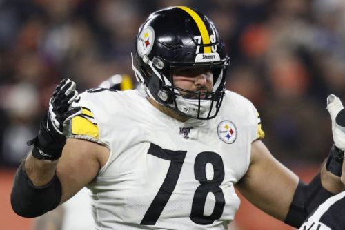 Ravens sign Alejandro Villanueva to a two-year deal, per report; longtime Steeler switching to right tackle