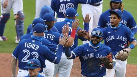 Blue Jays travel to the Bronx for crucial division series against Yankees