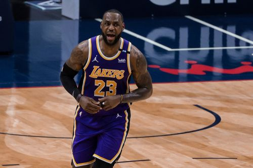 LeBron James sends strong message to his critics: 'huh??'