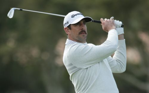 Aaron Rodgers, Brett Favre golf together for Team NFL at Baha Mar Showdown in Bahamas