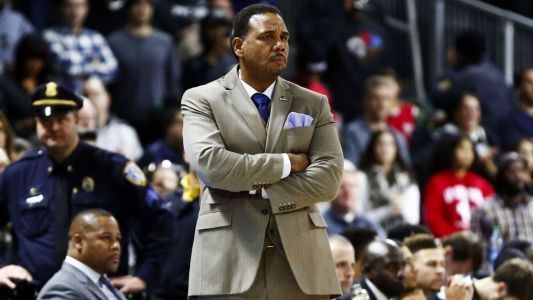 Sources: Cooley to interview for Michigan job