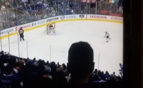 NHL fans were so annoyed with NBC as a Maple Leafs fan's head blocked Game 6 action