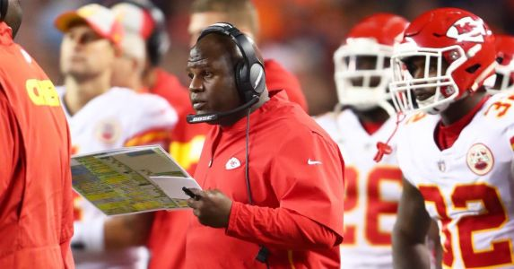 Chiefs offensive coordinator Eric Bieniemy to attend quarterback coaching summit