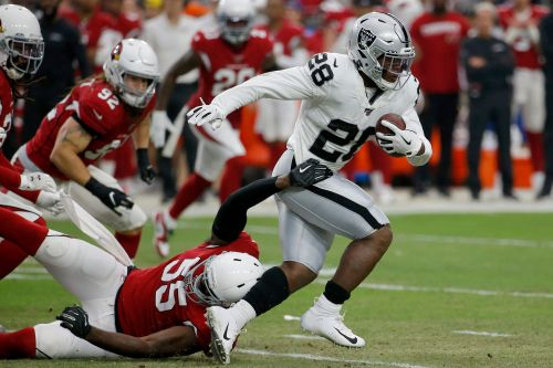 Raiders rookie RB Jacobs flashes in brief preseason moment