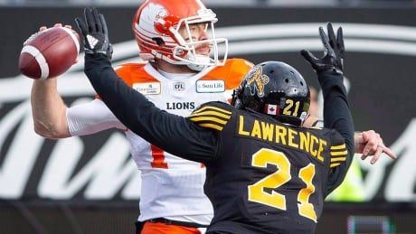 Tiger-Cats re-sign key defenders Simoni Lawrence, Delvin Breaux