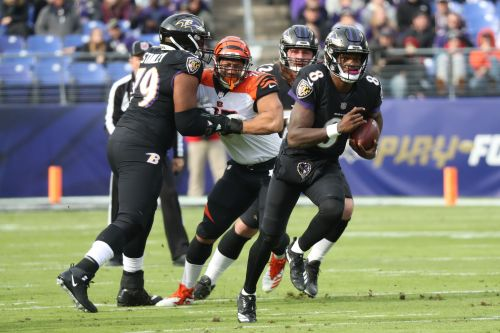 Ravens run back to playoff contention in Lamar Jackson's first start