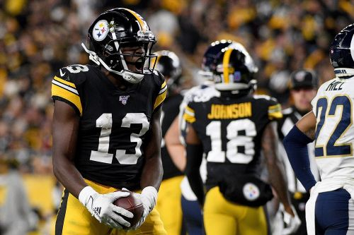 Fantasy football: Top pick-ups and drops after Week 10