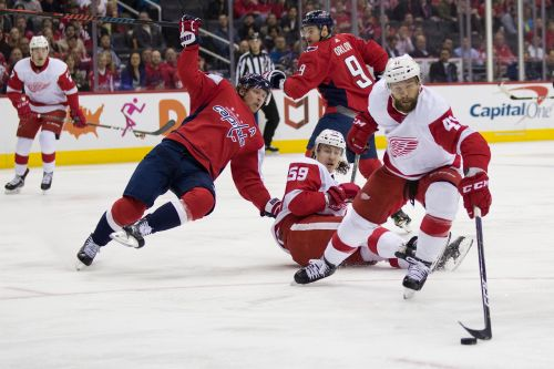 Ovi's 21st hat trick helps Caps to 6-2 rout of Wings