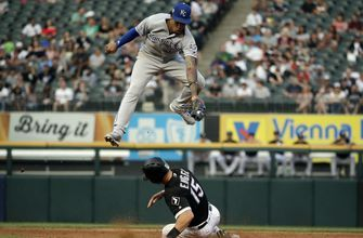 Gordon homers, Royals rally past White Sox, 3-1