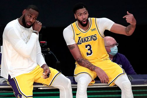 LeBron James doesn't appear too concerned with Nets' James Harden trade
