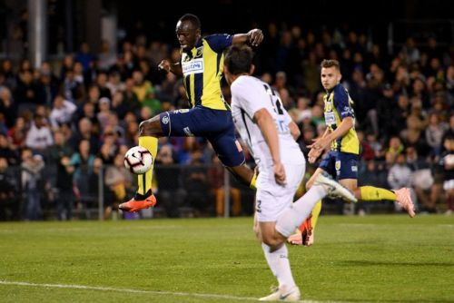Watch: Usain Bolt scores twice in trial soccer game