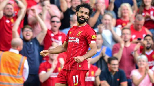 Salah brace beats Arsenal, keeps Reds perfect
