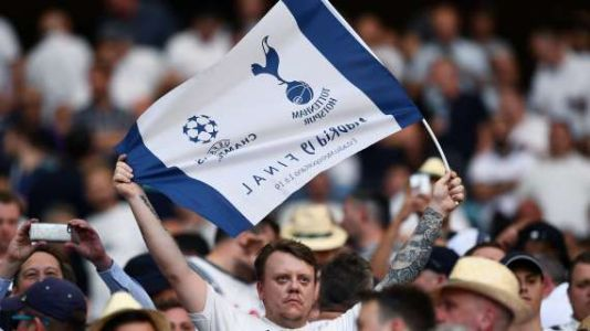 PREMIER - Newcastle-Spurs game halted as fan needed medical attention