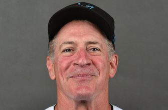 Marlins part ways with hitting coach Mike Pagliarulo