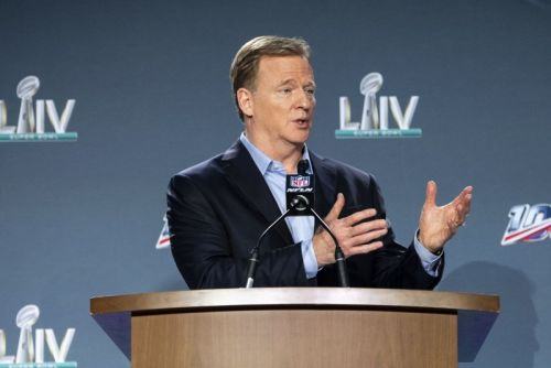 NFL warns COVID-19 outbreaks among unvaccinated players could lead to forfeits