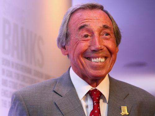 Gordon Banks, England World Cup-winning goalkeeper, dies at 81