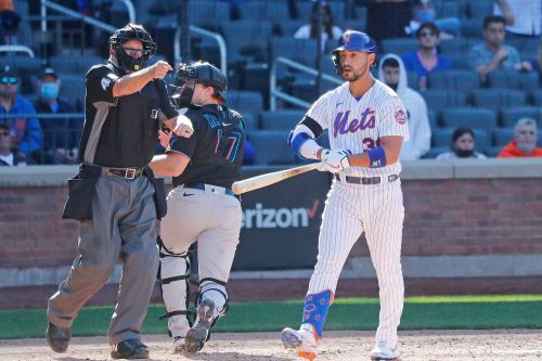 Umpire cops to blown call: Mets' Michael Conforto should have been out