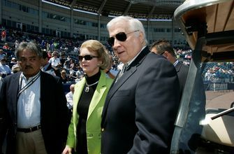 Joan Steinbrenner, wife late George Steinbrenner, dies at 83