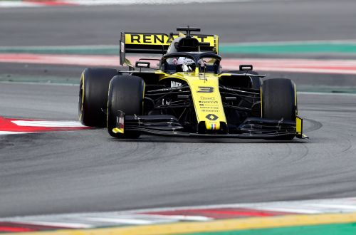 Ricciardo eager to 'grow' at Renault after Red Bull exit
