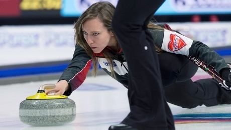 Homan coughs up early lead at Scotties en route to 1st loss