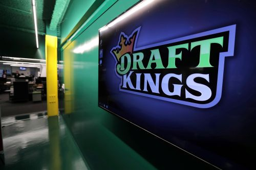 DraftKings user sues MLB over Astros sign-stealing scandal