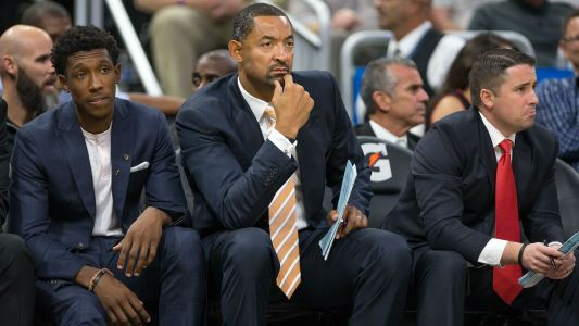 Michigan offers head coach job to 'Fab Five' alum Juwan Howard, report says