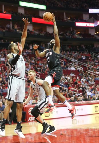James Harden scorches Spurs for 61 points to lead late Rockets rally