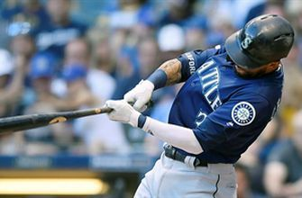 JP Crawford's RBI double leads Mariners past Brewers
