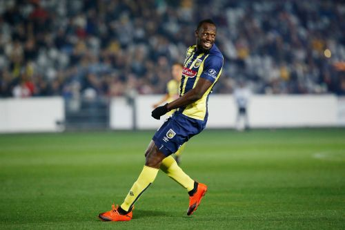 Usain Bolt scores two goals in his first start as pro soccer player for Central Coast Mariners