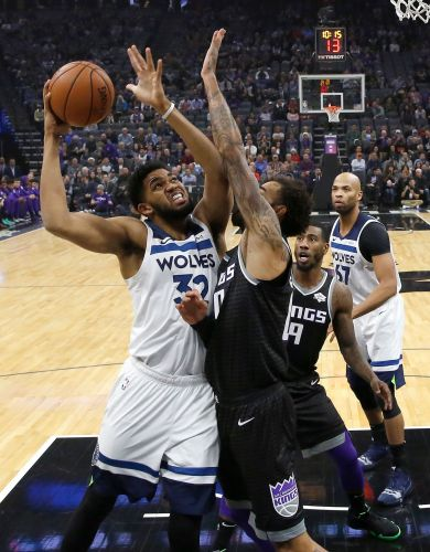 Kings hit 19 3-pointers in 141-130 win against Minnesota