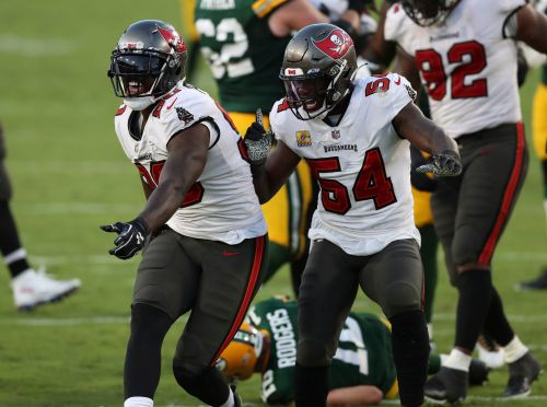 Rodgers, Packers sputter against stingy Buccaneers defense