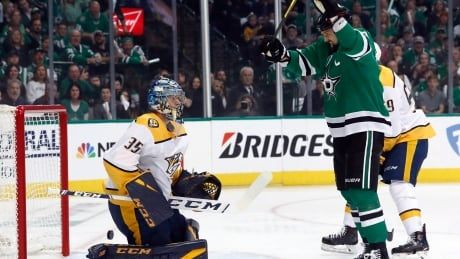 Stars chase Rinne early in rout of Preds