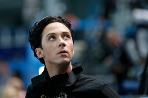 Olympic commentator Johnny Weir deletes controversial tweet about going to bed with a loaded gun