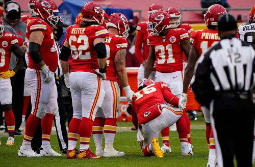 Kansas City Chiefs QB Patrick Mahomes takes 'all the snaps' in practice as concussion treatment continues