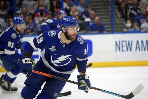 Rangers sign two-time Cup winner Goodrow to 6-year contract
