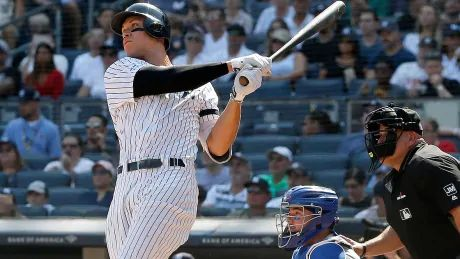 Yankees clear fence early, often on way to series win over Blue Jays